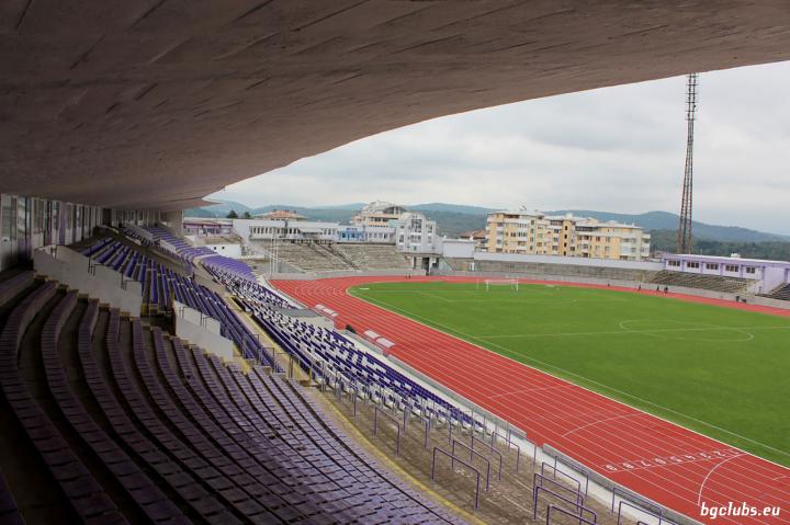 "Стадион ""Ивайло"" - в гр. Велико Търново"
