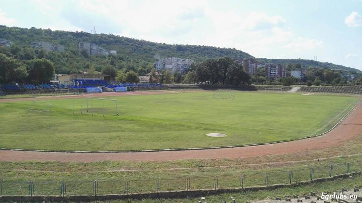 "Стадион ""Академик"" - в гр. Свищов"