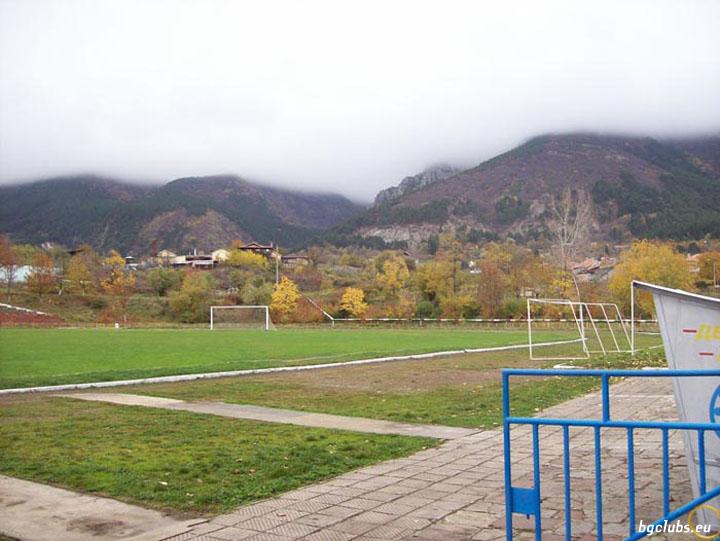 """Стадион """"Металик"""" - в гр. Сопот"""