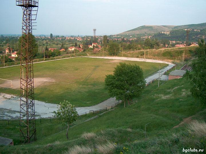 """Стадион """"Балкан"""" - в с. Варвара"""