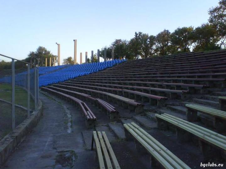 """Стадион """"Загорец"""" - в гр. Нова Загора"""