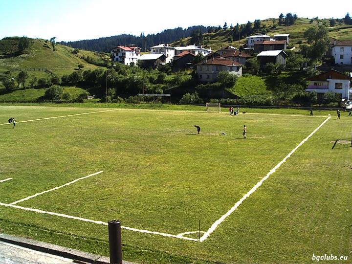 Стадион в с. Борино