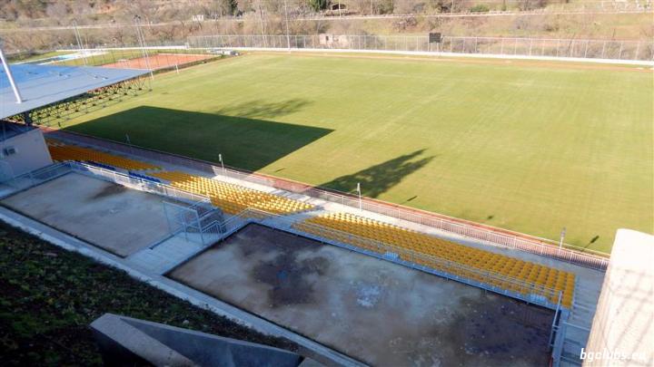 """Стадион """"Кипровец"""" - в гр. Чипровци"""