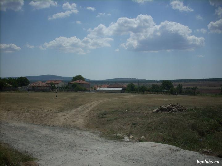Стадион в с. Преображенци