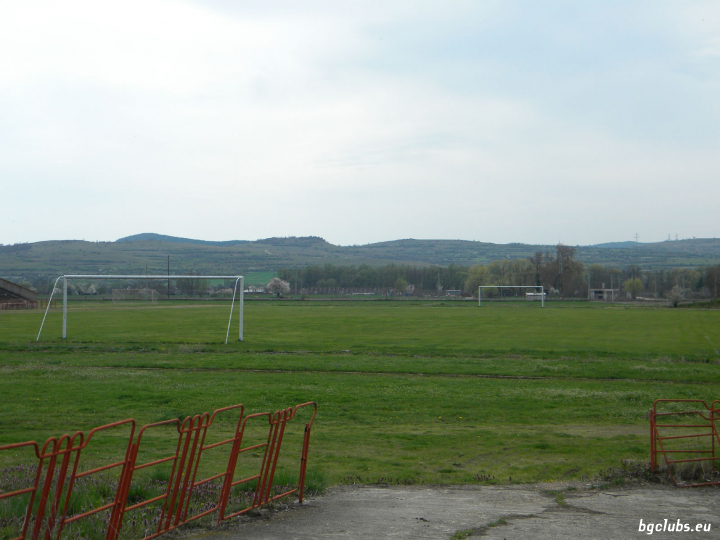 """Стадион """"Градски"""" - в гр. Баня"""