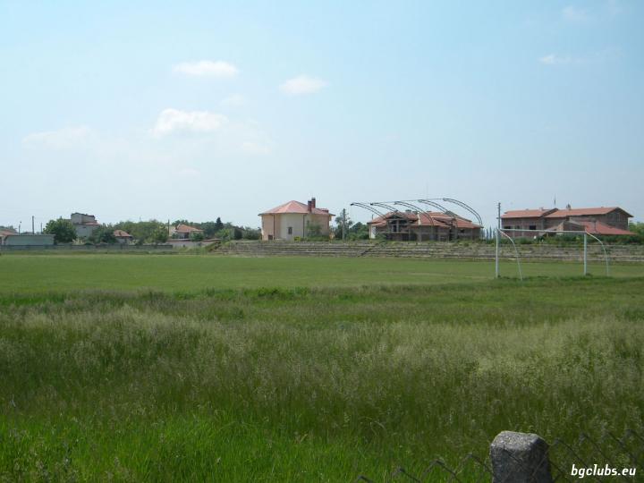 Стадион в с. Войводиново