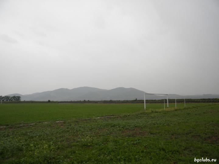"""Стадион """"Градски"""" - в гр. Шивачево"""