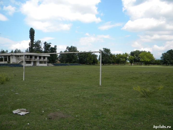 Стадион в с. Крушаре