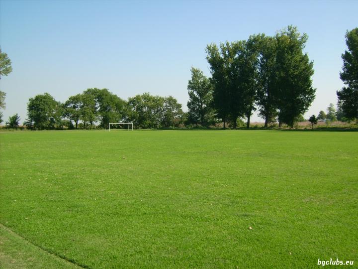 Стадион в с. Катуница