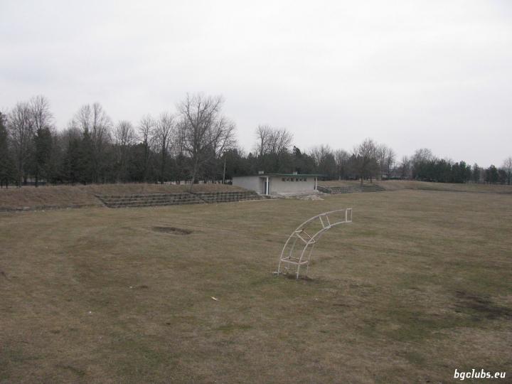 Стадион в с. Овчарово
