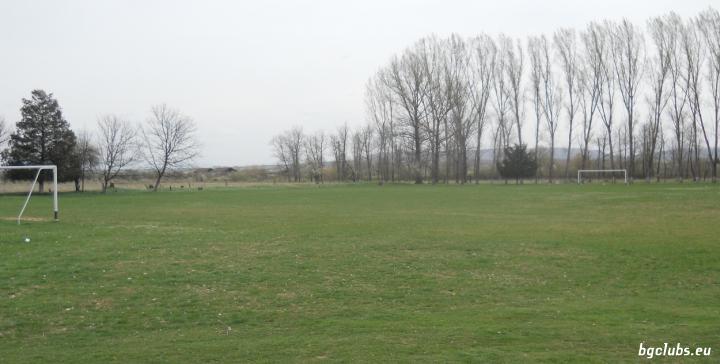 Стадион в с. Ресен