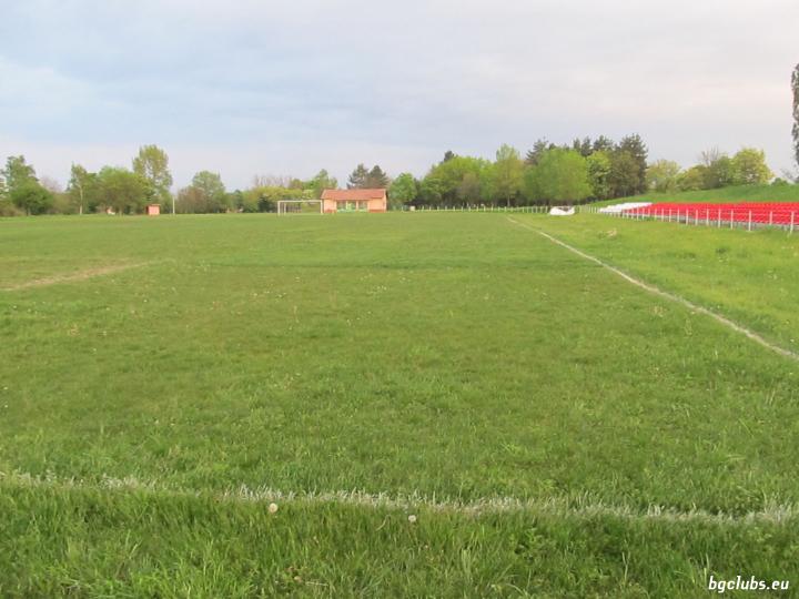 Стадион в с. Борован