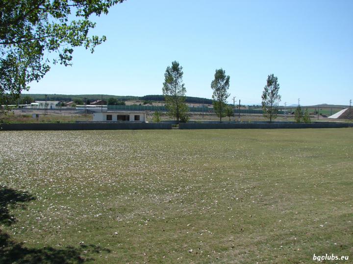 Стадион в с. Крум