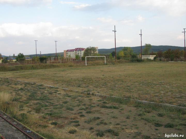 """Стадион """"Градски"""" - в гр. Павел баня"""