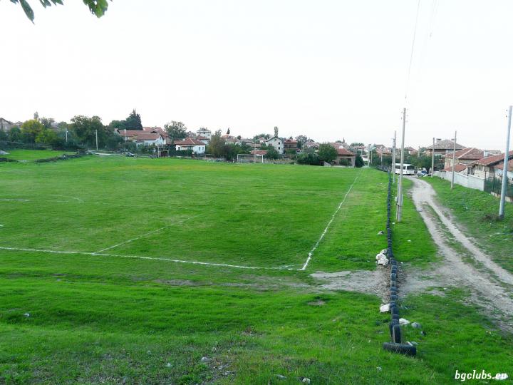 "Стадион ""Ботев"" - в с. Симеоновец"