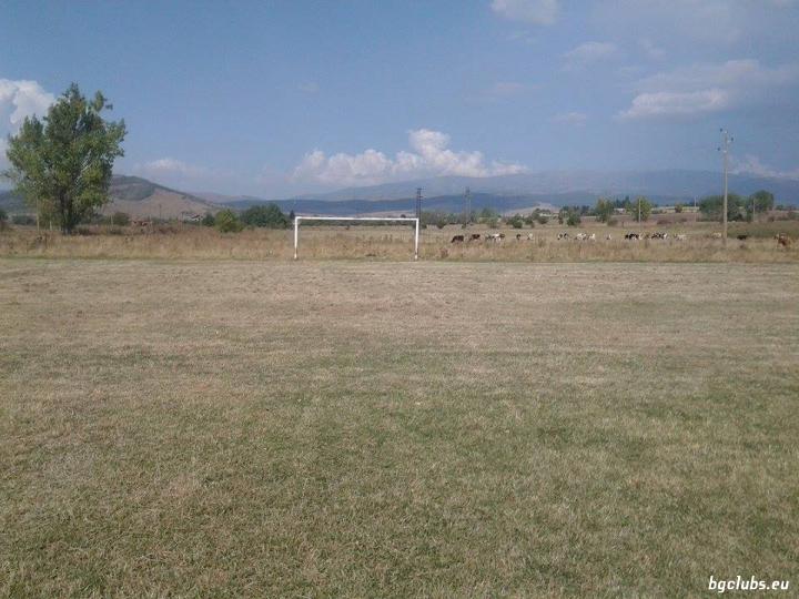 Стадион в с. Гълъбник
