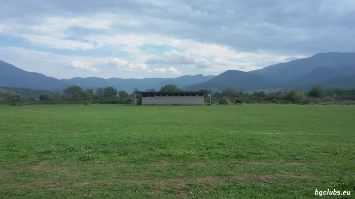 Стадион в с. Долно Озирово