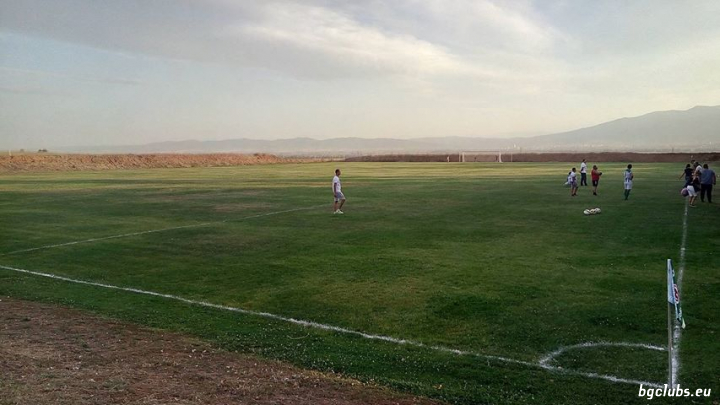 Стадион в с. Войнеговци