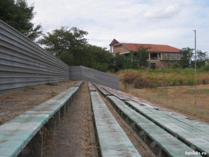 """Стадион """"Градски"""" - в гр. Каблешково"""