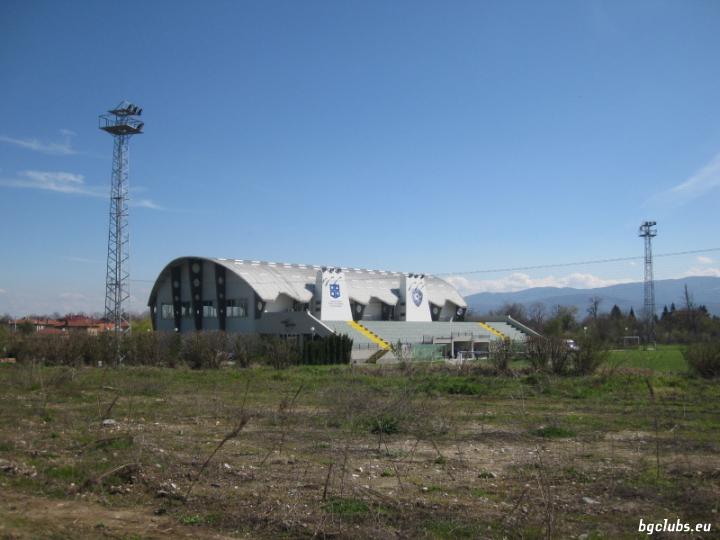 """Стадион """"ЕКИУ"""" - в с. Оризари"""