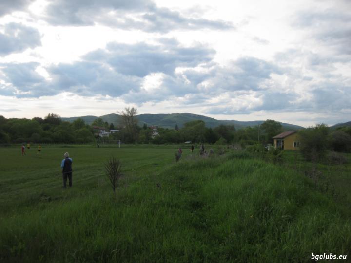 Стадион в с. Калище