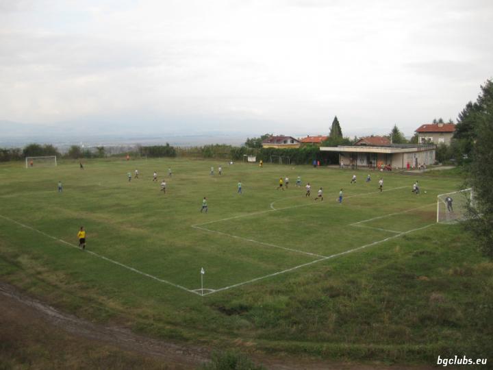 Стадион в с. Лозен